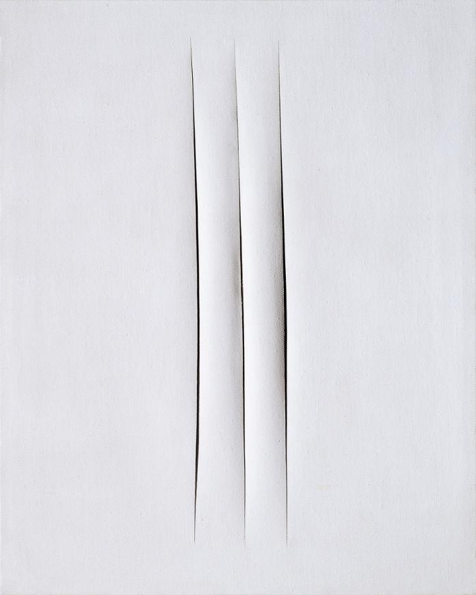 Lucio Fontana, Concetto spaziale. Attese, 1967 (Collezione Intesa Sanpaolo). Dalla mostra Lucio Fontana: On the Threshold, The Met Fifth Avenue, NY, The Met Breuer, NY, 2019.
